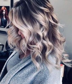 Awesome Balayage Hair Color Ideas For 2019 - haare - couleur de cheveux Brown Hair Balayage, Brown Blonde Hair, Hair Color Balayage, Gray Hair, White Hair, Dark Roots Blonde Hair Balayage, Balayage Hairstyle, Blonde Honey, Medium Blonde