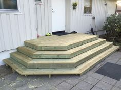 Garage Steps, Front Door Steps, Outdoor Steps, Patio Steps, Backyard Projects, Backyard Patio, Mobile Home Porch, Porch Stairs, Patio Deck Designs