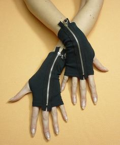 Black goth inspired fingerless gloves with fully exposed zipper.. DIY the look yourself: http://mjtrends.com/pins.php?name=zipper-for-gloves
