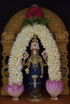 Diwali Decorations, Festival Decorations, Flower Decorations, Ganapati Decoration, Decoration For Ganpati, Krishna Statue, Bal Krishna, Saraswati Goddess, Durga