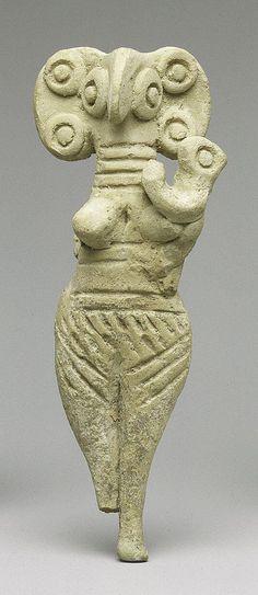 Terracotta statuette of woman with bird face Period: Late Cypriot II Date: ca. Ancient Artefacts, Ancient Civilizations, Ancient Aliens, Ancient History, Art Sculpture, Garden Sculptures, Ancient Goddesses, Art Ancien, Art Premier