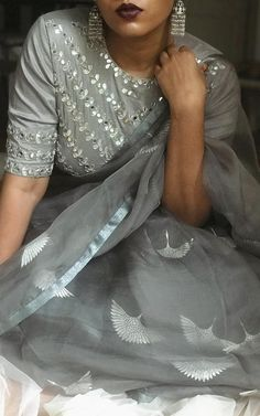 Wearing this absolutely gorgeous grey organza saree with an embroidered blouse in the same colour, both of which are Such a… Trendy Sarees, Stylish Sarees, Fancy Sarees, Embroidered Blouse, Embroidery Dress, Hand Embroidery, Grey Saree, Organza Saree, Cotton Saree