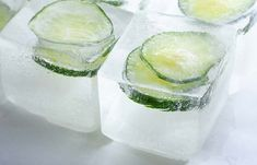 Benefits Of Rubbing Ice Cubes On Face - Cooling Cucumber Ice Cubes Ice On Face, Ice Cubes For Face, After Sun, Aloe Vera, Eyebrows, Anti Aging, Natural Skin Tightening, French Beauty Secrets, Beauty Hacks