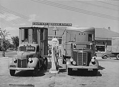 Truck stop-Ford and EU Mack
