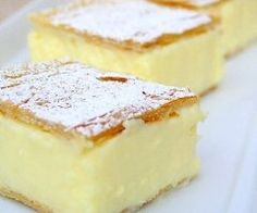 Vanilla Slice - like a vanilla custard pie bar, delicious - and so simple! Bet this would be yummy with berries. Australian Desserts, Australian Food, Australian Recipes, Australian Vanilla Slice Recipe, Custard Slice, Custard Cake, Vanilla Custard, Vanilla Sugar, Sweet Recipes