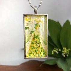 Botanical Queen necklace | Etsy Fairy Queen, Necklace Lengths, Flask, Pendants, Pendant Necklace, Chain, Trending Outfits, Unique Jewelry, Illustration