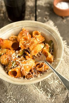 my amatraciana inspired pasta sauce with bacon, zucchini and chilli