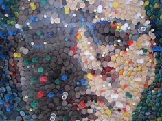 Scottish-born, London-based artist Duncan MacAskill uses the humble, everyday thumbtack as the medium for his recycled portraits. Push Pin Art, Drawing Pin, Eco Architecture, London Design Festival, Green Building, Sustainable Design, Fiber Art, Mosaic, Create