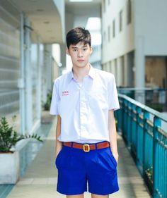 ใส่ชุดนักเรียนยังไงให้ดูดี ไม่ผิดกฎโรงเรียน Asian Boys, School Uniform, Cute Guys, Polo Ralph Lauren, Handsome, Men Casual, Teen, Actors, Shorts