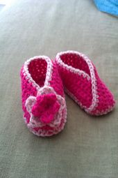Ravelry: Criss Cross baby booties pattern by Gina Gonzalez
