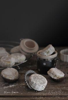 fried (not baked) lemon cookies Cookie Desserts, Cookie Bars, Dessert Recipes, Dessert Ideas, Lemon Biscuits, Lemon Cookies, Wine Recipes, Fries, Deserts