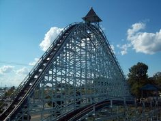 The Blue Streak, Cedar Point's oldest coaster. Wood creaking, chains moving, no seat belts or harnesses! Cedar Point Ohio, Marblehead Ohio, Sandusky Ohio, Amusement Park Rides, Toledo Ohio, Blue Streaks, The Good Old Days, Places To Visit, Roller Coasters
