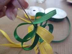 Best Garden Decorations Tips and Tricks You Need to Know - Modern Ribbon Lei, Diy Ribbon, Ribbon Crafts, Diy Crafts, Hawaiian Crafts, Hawaiian Leis, Money Flowers, Flower Lei, Graduation Leis
