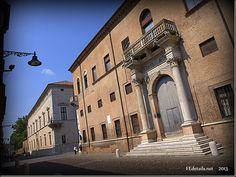 Il Quadrivio degli Angeli. Foto 3, Ferrara, Emilia Romagna, Italia - The Crossroads of the Angels. Photo 3, Ferrara, Emilia Romagna, Italy - Property and Copyrights of FEdetails.net  (c)