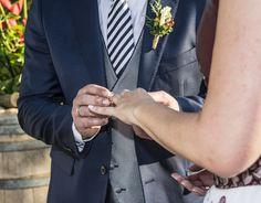 ¿Sabes lo que es la sastrería a medida? ¿Conoces todas sus posibilidades? Ven a Trajes Señor y te lo explicaremos de primera mano. Haremos realidad todas tus ideas !  #bride #groom #wedding #weddings #bodas #novio #traje #boda #diciembre #suits #suitup #suit #bridestyle #groomstyle