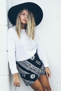 Shirt: black and white skirt sun printed skirt felt hat black hat fall outfits skirt boho boho chic