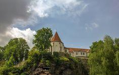 Photo by Ivana Piskáčková Villa, Tower, Cottage, Mansions, Architecture, House Styles, Building, Home Decor, Arquitetura