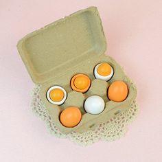 Outop 6pcs Wooden Easter Eggs Yolk Pretend Children Play Kitchen Game Food Kids Toy Outop http://www.amazon.com/dp/B00BMQEY30/ref=cm_sw_r_pi_dp_wBtvwb01T6E3V