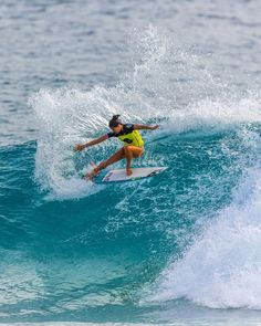 #Surf #girl... Malia Manuel...just look at that form and…