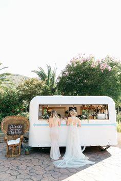 Have the Hello Penny Bar at your wedding! #OctoberWeddingIdeas