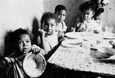 File:Stanley Kubrick - African American children at table cph.3d02356.jpg