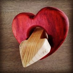 Valentine's gift for my girl  #wood #selfmade #lovely #love #heart #arrow #Padouk #woodworking #woodporn #woodwork #handmade #happy #girl #valentine #gift de jbs_woodshop