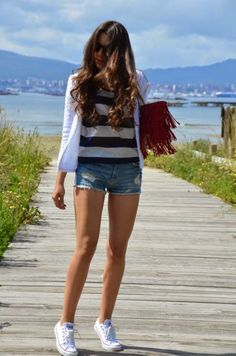 Denim Shorts With Striped T-shirt In Navy Colors