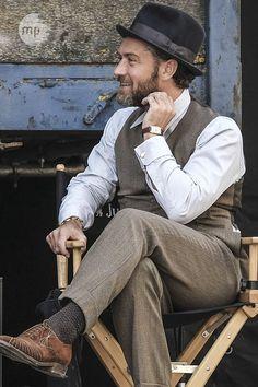Jude Law spielt in Phantastische Tierwesen 2 den jungen Albus Dumbledore - und das könnte ganz anders werden, als von den Harry-Potter-Fans erwartet.