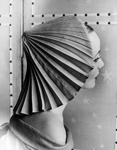 Elsa Schiaparelli pleated hat, 1951. Photo by Regina Relang.