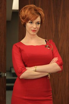 Mad Men: Christina Hendricks as Joan Holloway. Love her in this role even though I don't care for that show. She is gorgeous and so is her curvy body. Christina Hendricks, Don Draper, Mad Men Mode, Cristina Hendrix, Mad Men Joan Holloway, Joan Harris, Mad Men Party, Mad Men Fashion, Fashion Ideas