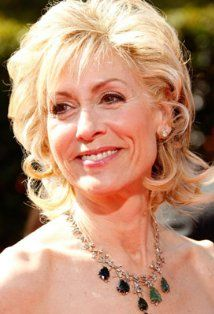 Judith Light...she has a great smile huh....such a pretty lady