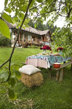 Wiejski dom z widokiem na Tatry