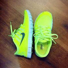 Nike shoes Nike roshe Nike Air Max Nike free run Nike USD. Nike Nike Nike love love love~~~want want want! Nike Shoes Cheap, Nike Free Shoes, Nike Shoes Outlet, Running Shoes Nike, Cheap Nike, Nike Free Runs For Women, Nike Women, Nike Outfits, Fitness Outfits
