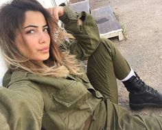 Beautiful Military Girls Of Israel  (70 pics)
