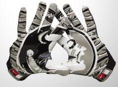 FSU Football Gloves with Seminole Head. Florida State Football, College Football Season, Florida State University, Florida State Seminoles, Cubs Team, Football Gloves, Nike Pro Combat, Sport Wear, Nike Pros