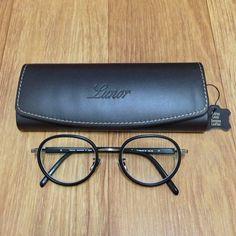 Lunor Prestige II A 23 with a black Lunor leather case