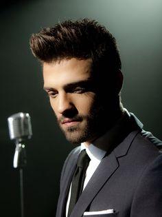 Konstantinos Argiros Greek Men, Mans World, Handsome Boys, Musicians, Goal, Men's Fashion, Smooth, Singer, Nice