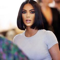 Kardashian style – My hair and beauty Short Bob Wigs, Short Bob Hairstyles, Black Women Hairstyles, Wig Hairstyles, Sleek Hairstyles, Kim Kardashian Wedding, Kardashian Style, Kardashian Braids, Kim Kardashian Hairstyles
