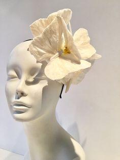 En blanco mariposa diadema comedor Blanc Blanco Fascinator