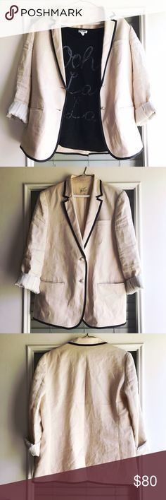 J.Crew light pink linen blazer, sz 10 J.Crew Light Pink blazer with black trim. Linen. Lined. Looks great with skinny black slacks and satin blouse or jeans and a graphic tshirt. 💸Check out the bundle discount! 💸 🛍All items in style shot in my Posh Closet🛍 🚫Smoke free home🚫 🚫Pet free home 🚫 🤑Will accept REASONABLE offers🤑 J. Crew Jackets & Coats Blazers