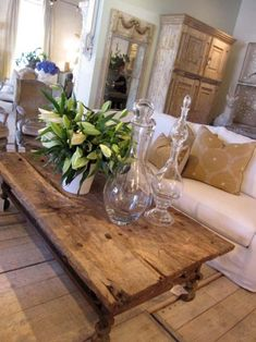 like the table, Lisa Luby Vintage living Rustic Decor, Rustic Table, Vintage Table, Wood Table, Interior Decorating, Interior Design, Decorating Ideas, European Home Decor, French Country Decorating