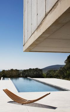 Sling sunbed by Boffi Bain at Luberon, France house designed by Studio KO