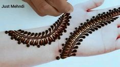 Pretty Henna Designs, Mehndi Designs For Kids, Mehndi Designs Feet, Mehndi Designs Book, Full Hand Mehndi Designs, Mehndi Designs For Fingers, Beautiful Mehndi Design, Latest Mehndi Designs, Henna Tattoo Designs Simple