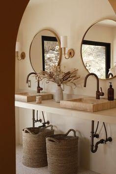 Bad Inspiration, Bathroom Inspiration, Interior Inspiration, Bathroom Inspo, Bathroom Styling, Bathroom Interior Design, Interior Livingroom, Spanish Style Bathrooms, Spanish Bathroom