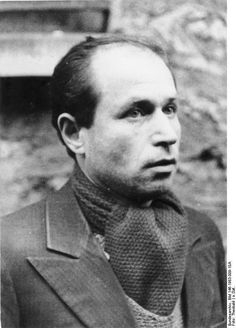 Szlama Grzywacz was one of the members of the French resistance executed at the fort of Mont Valérien as a member of the Manouchian group, a volunteer of the French liberation army