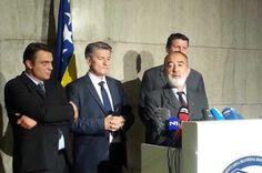 Izetbegović odbija pregovarati s nezadovoljnom četvorkom SDA parlamentaraca! | http://www.dnevnihaber.com/2015/08/izetbegovic-odbija-pregovarati-s-nezadovoljnom-cetvorkom-sda-parlamentaraca.html