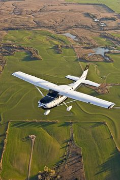 I love flying, especially in small planes. But big planes are fun for the powerful takeoff.