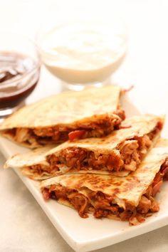 Barbecue Bacon Chicken Quesadillas – Six Sisters' Stuff Chicken Zucchini Casserole, Chicken Bacon, Chicken Recipes, Cheesy Chicken, Chicken Club, Chicken Salad, Enchiladas, Six Sisters, Perfect Sisters