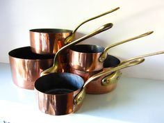Vintage copper pans with solid brass handles, Set of five copper pans, Country kitchen, home decor, heavy copper pans. by on Etsy Copper Pans, Brass Handles, Magpie, Antique Copper, Cottage Chic, Country Kitchen, Solid Brass, Etsy Store, Style Ideas