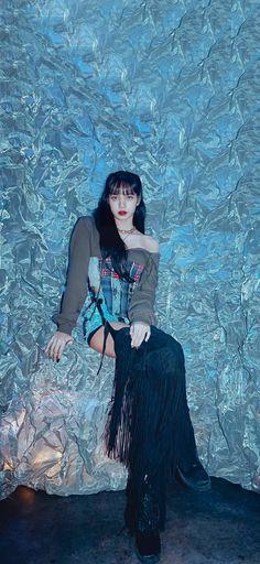 Wallpaper Swag, Lisa Blackpink Wallpaper, South Korean Girls, Korean Girl Groups, Jimin Pictures, Blackpink Video, Kim Jisoo, Black Pink Kpop, Blackpink Fashion